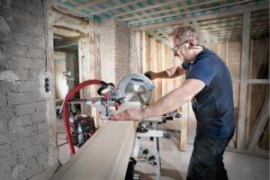 Holz zuschneiden mit Zug Kapp und Gehrungssaege